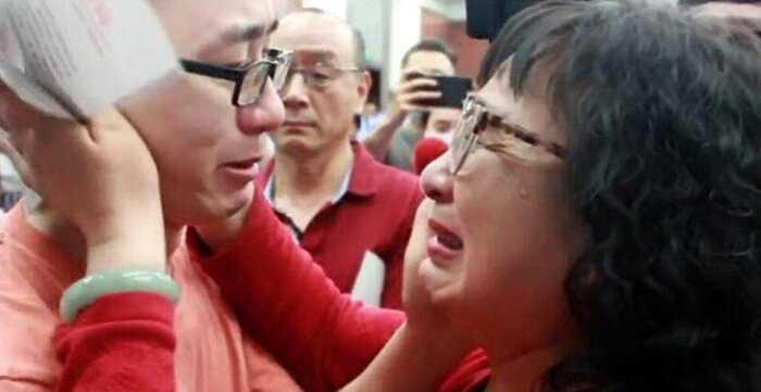 Мать нашла сына за тысячу километров от дома, которого похитили 32 года назад