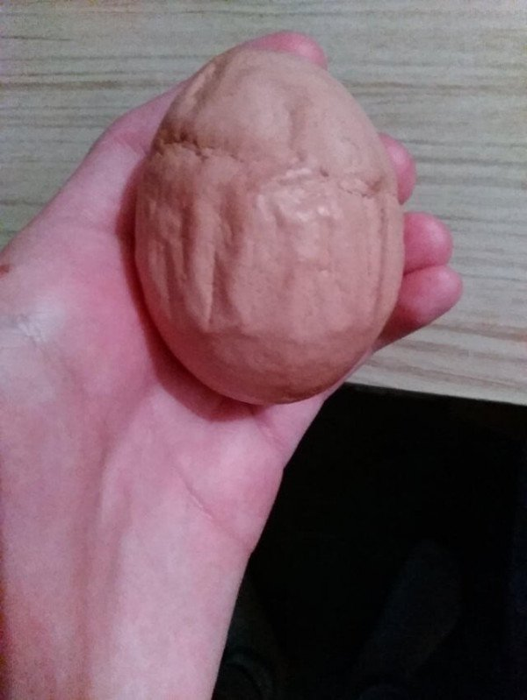 20 странных яиц, которые наверняка удивили даже тех, кто их снес