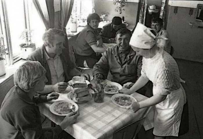 Привычки советских людей, которые раньше иностранцы высмеивали, а сегодня сами их используют