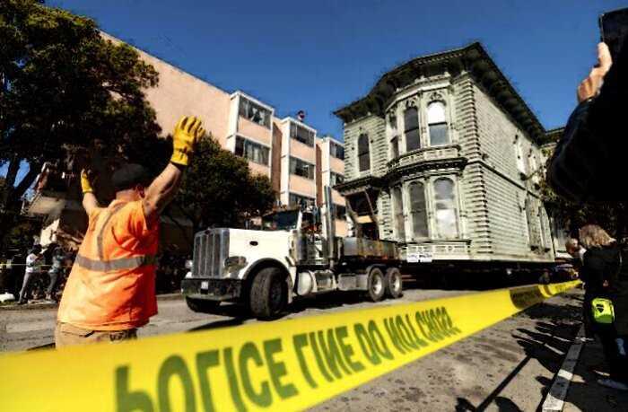 Мужчина целиком перевёз свой викторианский дом на 7 кварталов, заплатив за это 400 тыс долларов