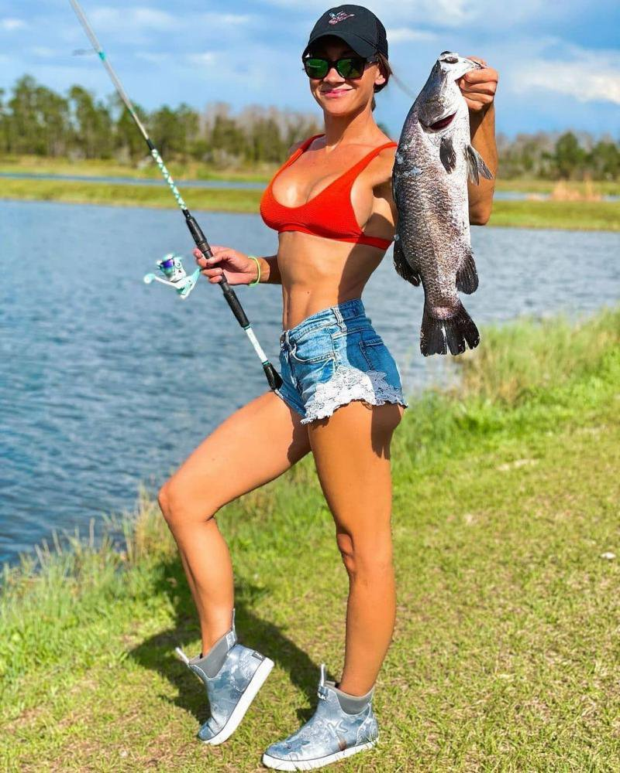 Сексуальные рыбачки 05.04.2021