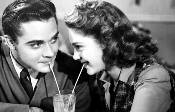 Как в СССР влюбленные назначали свидания без интернета и мобильников