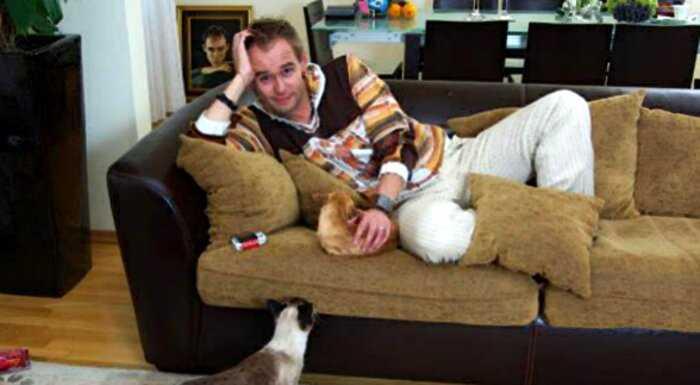 Оказывается, звезда «Глухаря» Максим Аверин — заядлый кошатник. Своих домашних животных он подобрал на улице