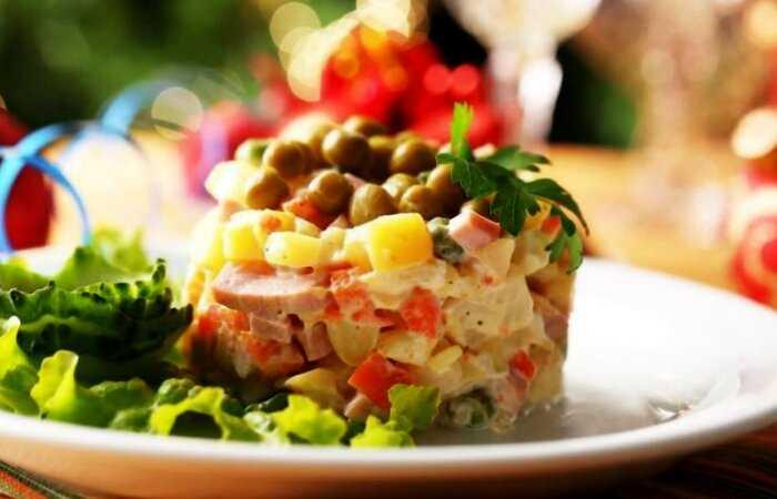 Плов и оливье: 4 блюда, которые изменились до неузнаваемости со времен их изобретения