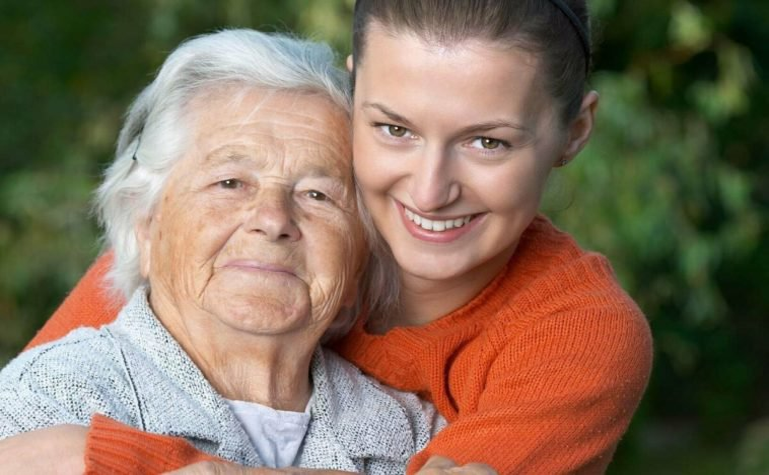 6 лет назад Марина забрала к себе 79-летнюю бабушку из дома престарелых. Как они живут сейчас?