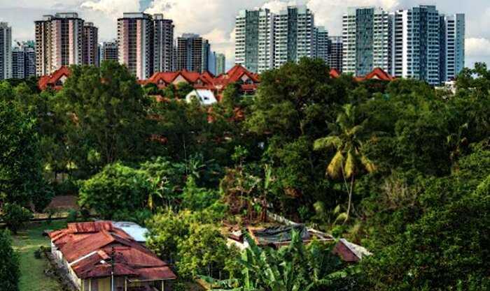Сингапур самый богатый в мире город, но среди небоскребов 100 лет стоит деревня и жители отказываются продавать дома